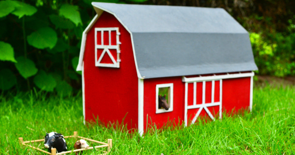 DIY Toy Wooden Barn