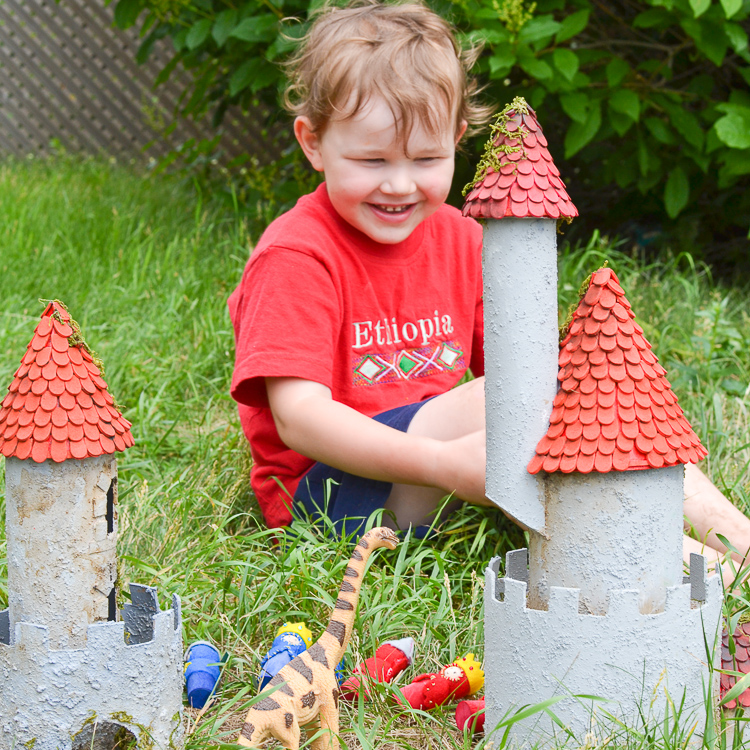 diy-cardboard-castle-play-time-1