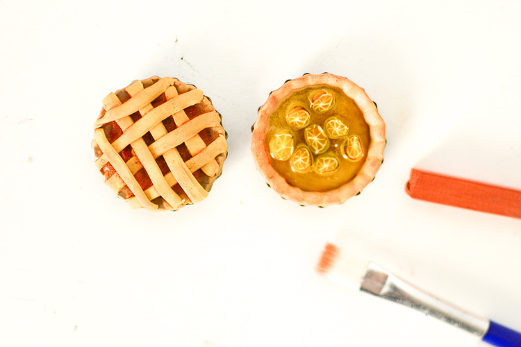 Make Miniature Pies with Kids: Brush the powder onto the shell part of the pie.