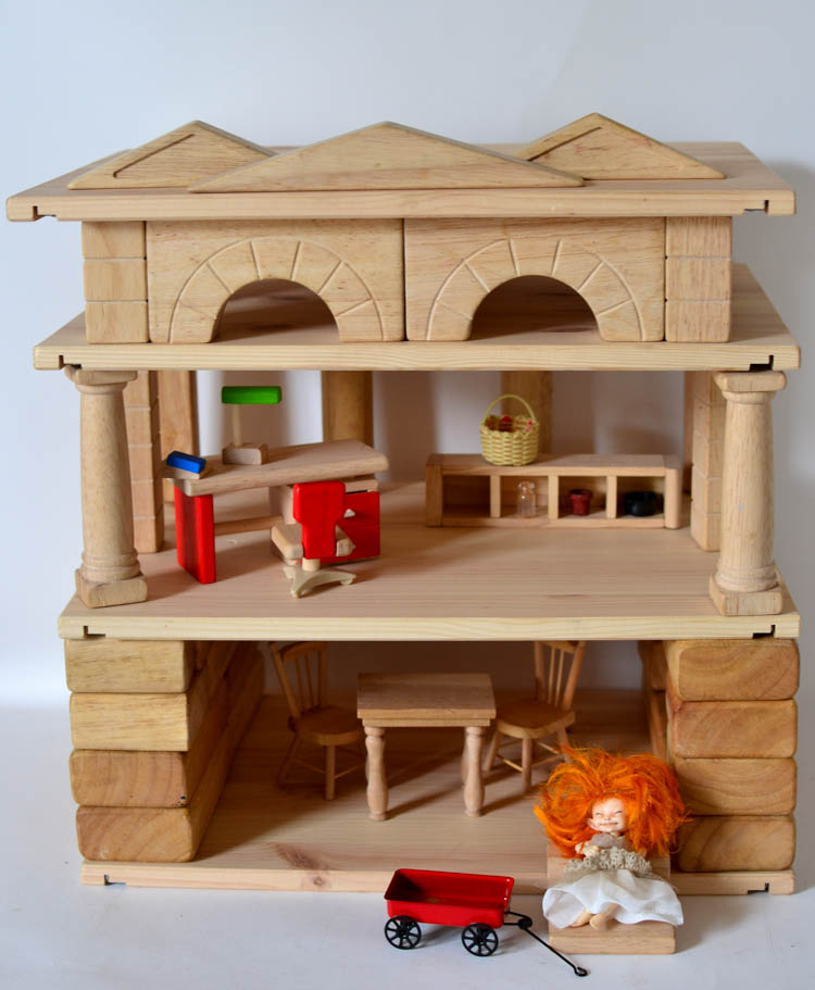 DIY Wooden Layer Blocks: You can even make a wooden dollhouse!