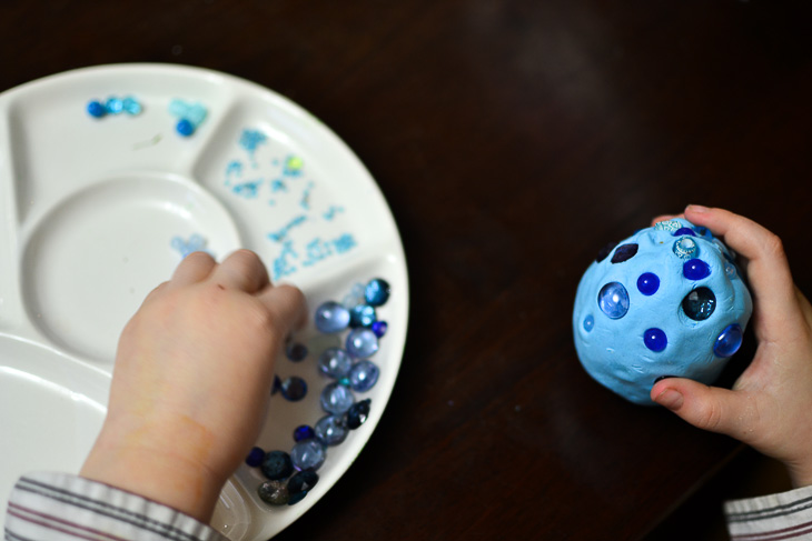 How to make dragon eggs from air-dry clay. Decorating eggs.
