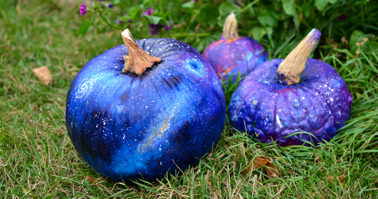 How to Paint a Space Pumpkin for Halloween