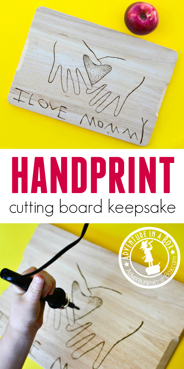 Use woodburning technique with kids to make a cutting board that would be a perfect homemade gift for moms and grandmas. The keepsake cutting board captures both the child's handprints and handwriting! #homemadegift #woodburning #kidscrafts #mothersday #handprintcrafts